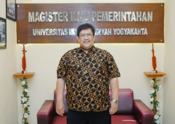 Dr. Suswanta, M.Si